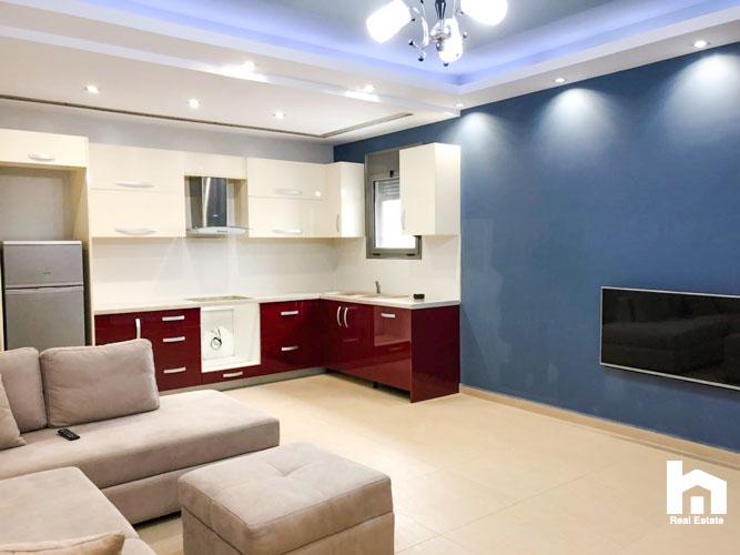 Në shitje apartament në Sarandë, 2+1, salloni sebashku me ambientin e gatimit