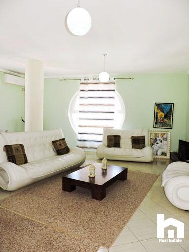 Apartament 2+1+2 për shitje te Mali i Robit Durrës sallon pritje