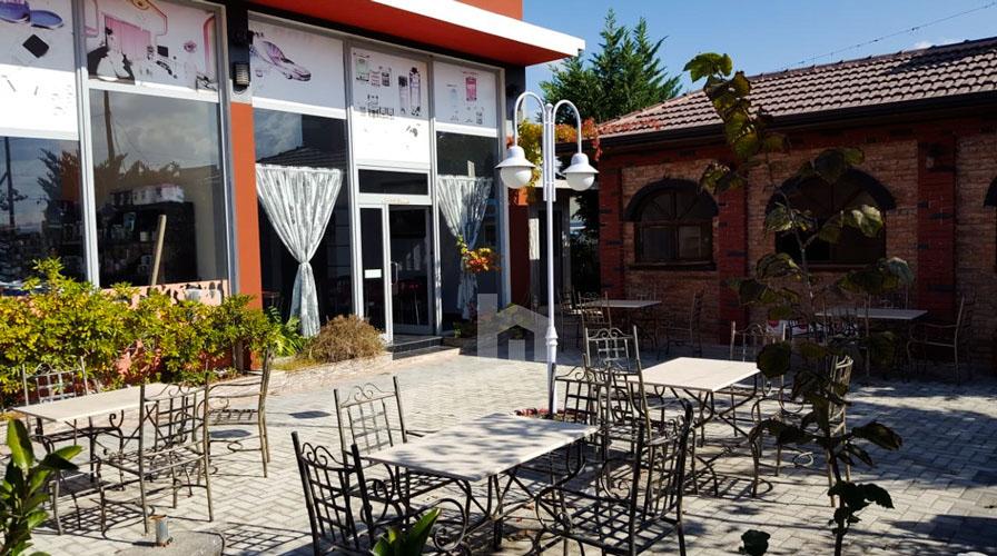 Jepet me qira ambient komercial në Xhafzotaj, restoranti pamja jashtme