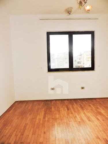 jepet me qira në Bllok, apartament 3+1+2, dhome gjumi 3