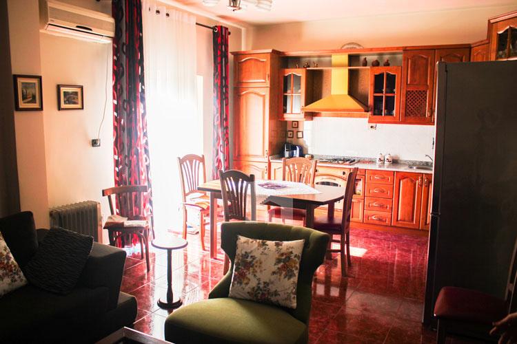 Shitet apartament në Durrës, super cmim, ambient ngrenie