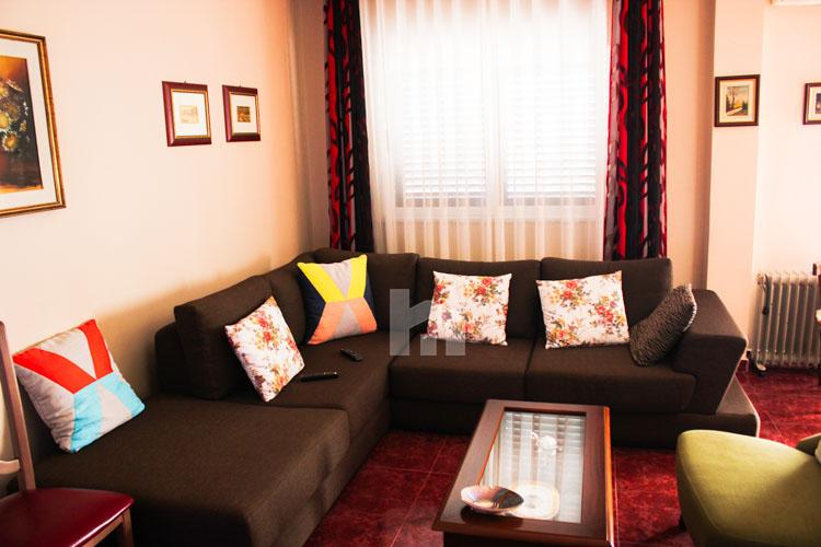 Shitet apartament në Durrës, super cmim, sallon pritje 2