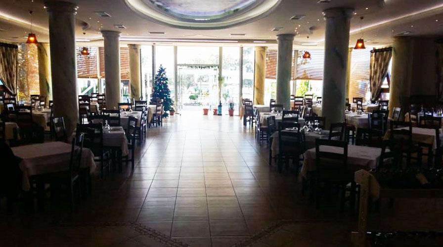 Shitet truall dhe hotel në Radhimë, Vlorë