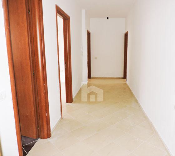 Shitet ne Fresk apartament 2+1 me hipoteke, korridor