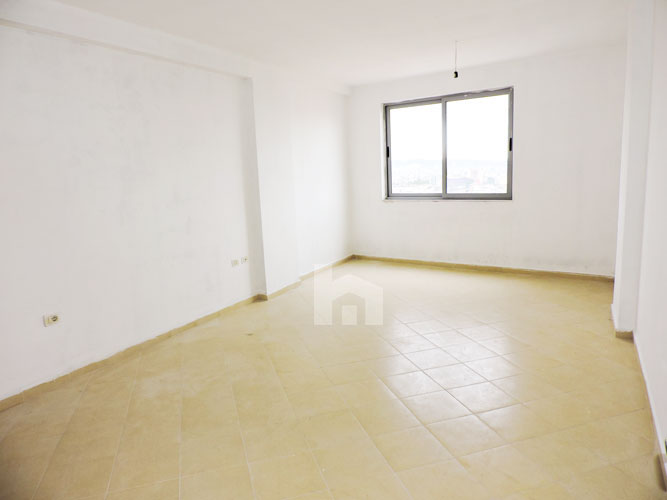 Shitet ne Fresk apartament 2+1 me hipoteke, sallon