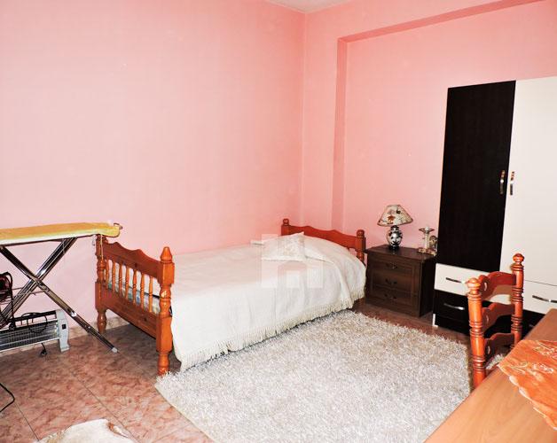 Shtepi me qera Bllok Tirane, 2+1+2, dhome gjumi
