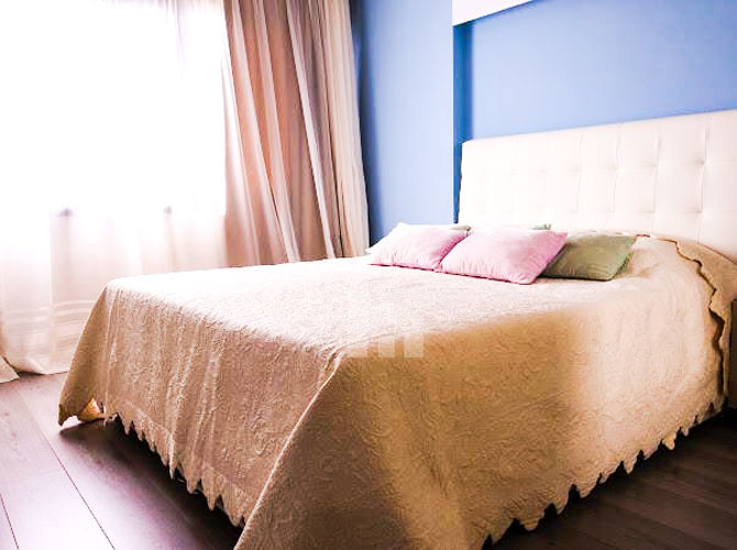 Shitet apartament ne Sarande me super pamje, dhoma e gjumit