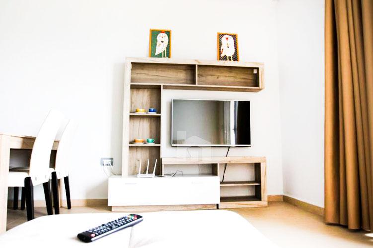 Shitet apartament ne Sarande me super pamje, sallon pritje