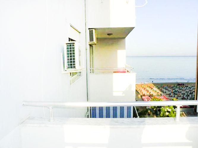 Shitet apartament 2+1+2 te Shkembi Kavajes në vijë të parë
