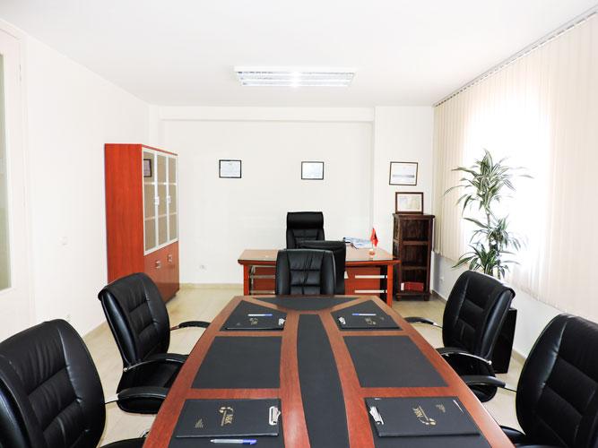 Jepet me qira apartament 270 m² te Vesa Center