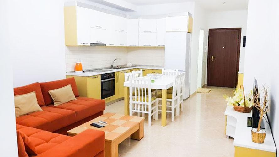 Shitet apartament 3+1 në Lungomare Vlore
