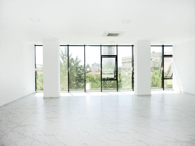 Jepet me qera zyre fantastike në Qendër të Tiranës