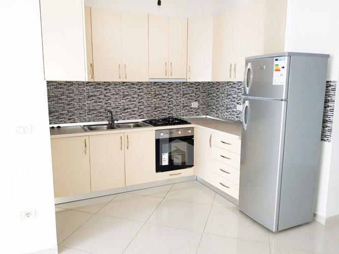 "Jepet me qira apartament 2+1+2 te rruga "" Todi Shkurti "", ambient gatimi"