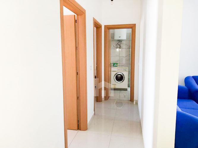 """Jepet me qira apartament 2+1+2 te rruga """" Todi Shkurti , korridor"""