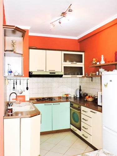 Shitet apartament 1+1 pranë KESH-it Vasil Shanto Tirane, ambient gatimi