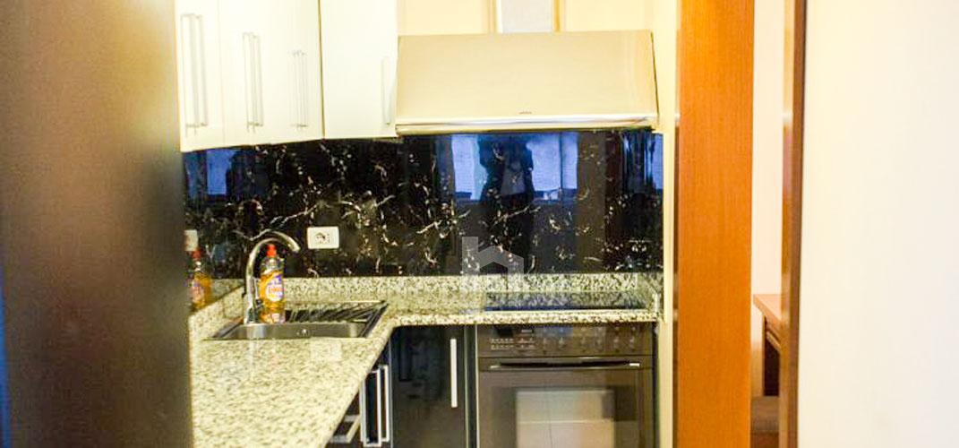 Jepet apartament me qera Myslym Shyri, 2+1, ambient gatimi