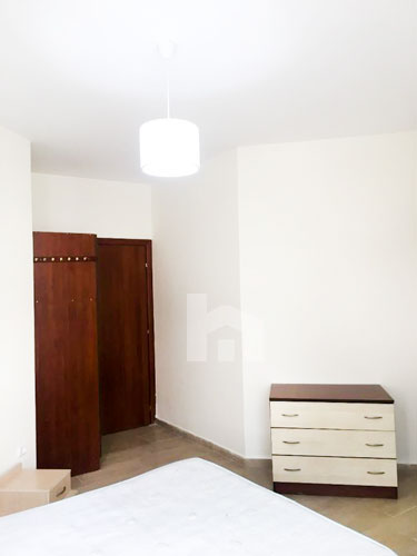 Jepet me qira apartament prane Kopshtit Botanik, dhome gjumi 2