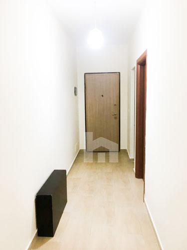 Jepet me qira apartament prane Kopshtit Botanik, korridor