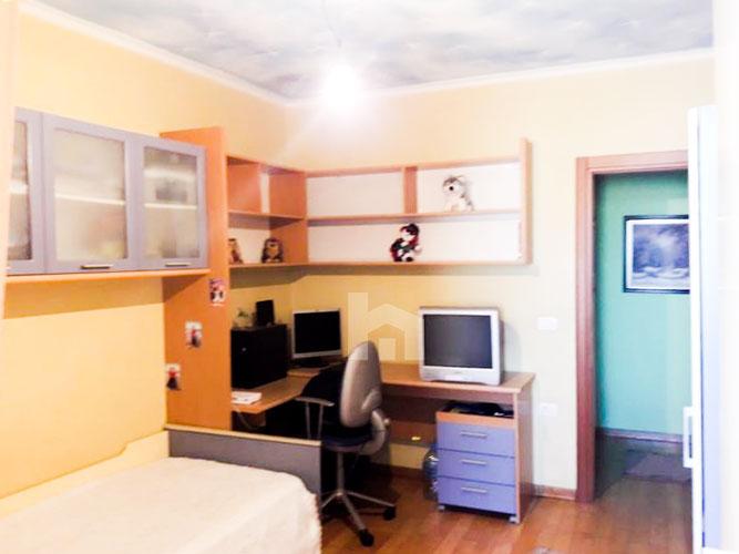 Shitet apartament 2+1+2 te rruga Margarita Tutulani, dhome 3