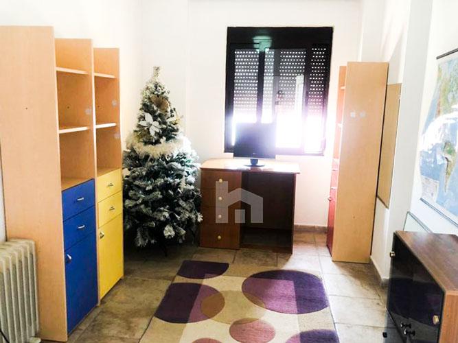 Jepet me qira apartament 3+1+2 pranë Prokurorisë të Tiranës, depo