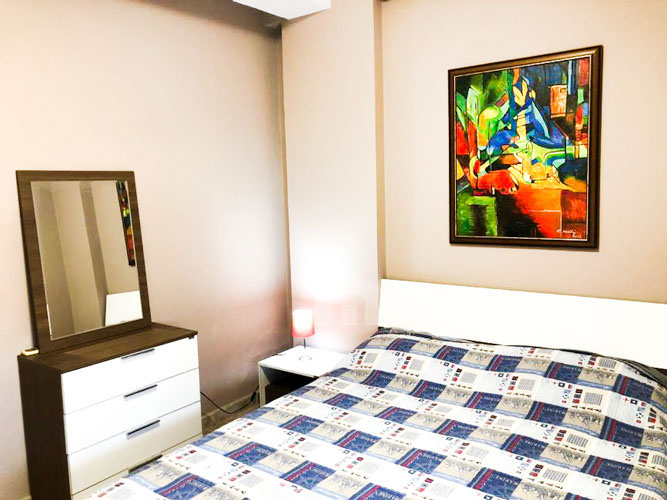 Jepet me qira apartament 3+1+2 pranë Prokurorisë të Tiranës, dhome gjumi