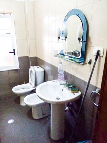 Shitet apartament 1+1 te Shkolla e Bashkuar, tualet 2