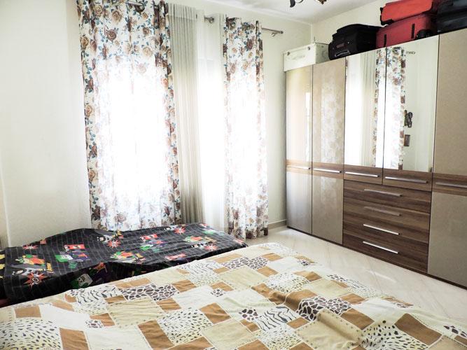Shitet vile ne Tirane me 4 kate prane Pazarit te Ri!, dhome 2