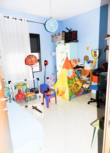 Shitet vile ne Tirane me 4 kate prane Pazarit te Ri!, dhome 4