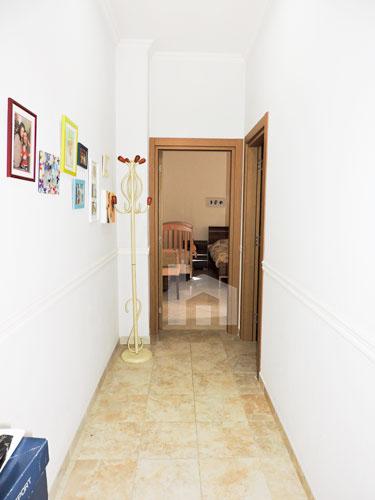 Shitet vile ne Tirane me 4 kate prane Pazarit te Ri!, korridor