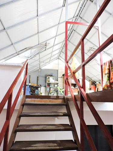 Vile ne shitje te Rruga e Kavajes , 645 m², shkallet