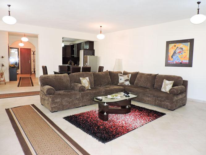 Jepet me qira apartament komod pranë Deloitte Albania