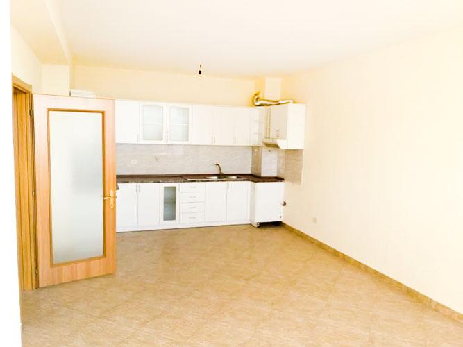 Shitet apartament 2+1 te Oxhaku ne Tirane