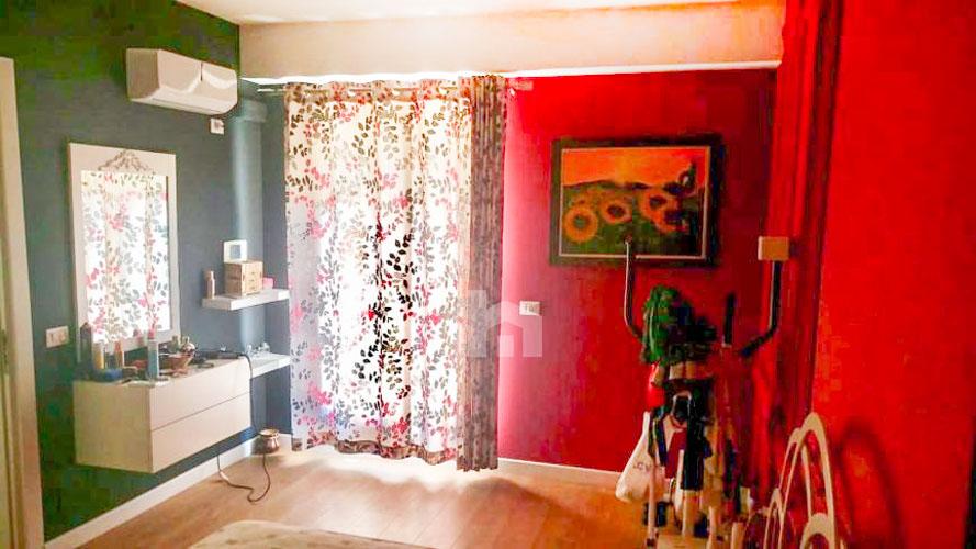 Shitet apartament te kompleksi Delijorgji Tirane, dhome 2