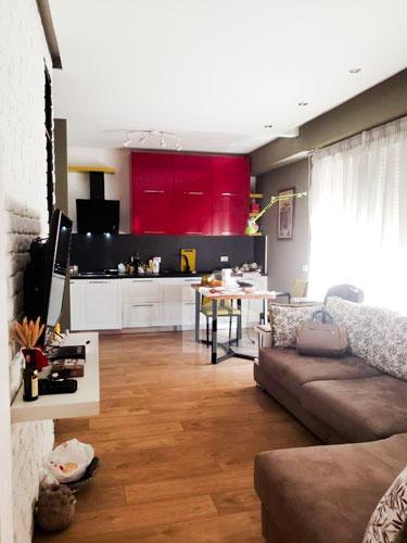 Shitet apartament te kompleksi Delijorgji Tirane, sallon
