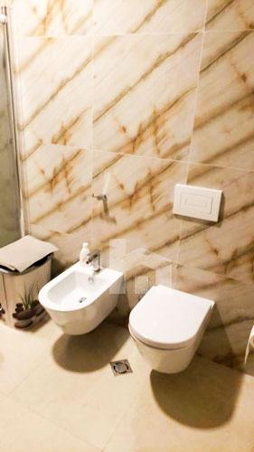 Shitet apartament te kompleksi Delijorgji Tirane, tualet 2