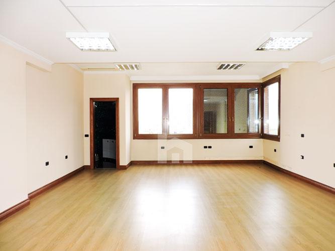 Jepet me qera zyre dupleks në Bllok, dhome 4 (2)