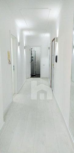 Shitet apartament 2+1+2 te Selvia Tirane, korridor