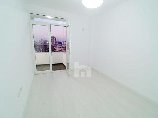 Shitet apartament 2+1+2 te Shkolla Baletit Tirane, dhome 2 (2)