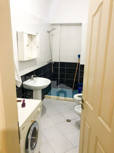 Shitet apartament ne Astir 2+1 me cmim okazion,tualet