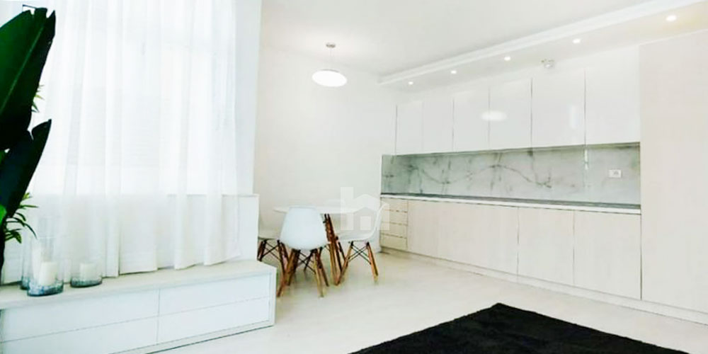 Te Stacioni Trenit shitet apartament 2+1, ambient gatimi