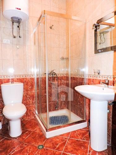 Te ish Ekspozita apartament me qira 2+1+2, tualet 2