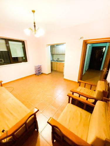 Shitet apartament 1+1 te rruga Ali Demi Tirane