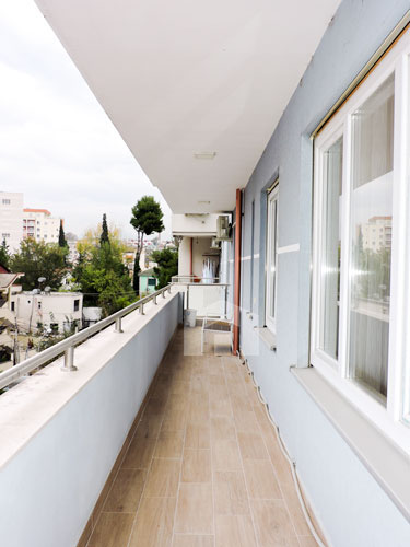 Shitet apartament te Vilat Gjermane ne Tirane, ballkon