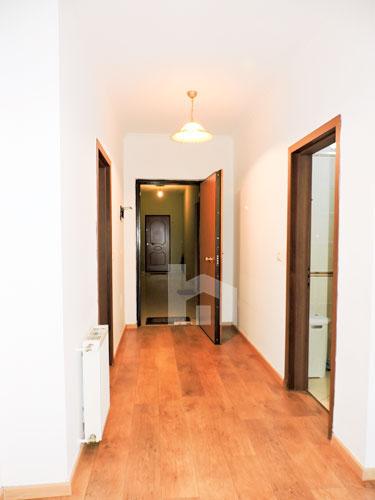 Zyre me qera te Sky Tower , 140 m², 800 euro, korridor