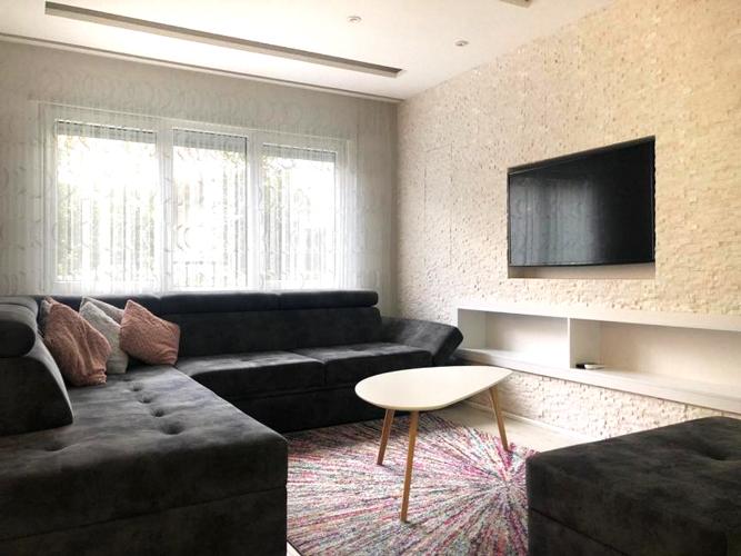 Shitet apartament luksoz ne kompleks rezidencial prane Tegut